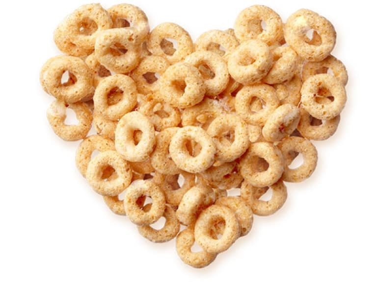 Cheerios cereal in the formation of a heart.